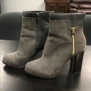 Juicy Couture Sz 7.5 ankle bootie charcoal color